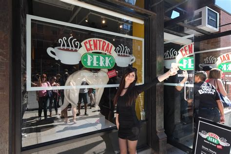 friend s coffee shop central perk pops up in new york