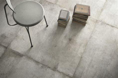 Light grey Ultra teknostone, grey stone effect floor and