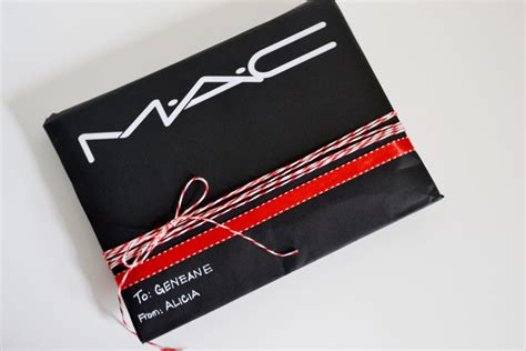 mac gift wrap upcycle shopping bags for gift wrap