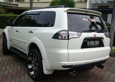 Sticker Stiker Wiper Mobil Mitsubishi 2 Buah modifikasi mitsubishi pajero sport exceed car interior design