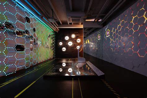 Adidas Energy Boost 16043m Brpt store design 187 retail design