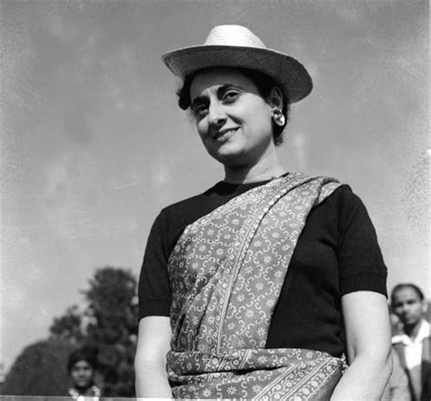 indira gandhi biography in hindi font young beautiful indira gandhi s very personal secrete life
