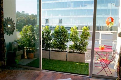 balkon sichtschutz pflanzen sichtschutz f 252 r den balkon varianten aus holz pflanzen