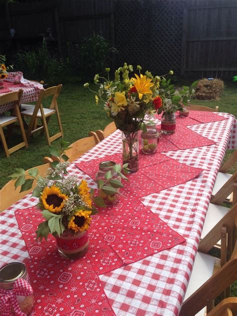 Backyard Bbq Table Centerpieces Our Picnic Themed Outdoor Rehearsal Couples Bbq