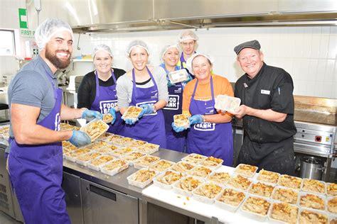 volunteer community kitchen