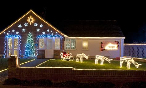 como decorar un jardin de navidad como decorar el patio para navidad