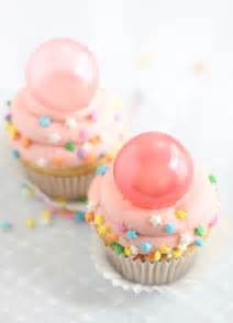 Towel Cakes Bubble Gum Frosting Cupcakes With Gelatin Bubbles Sprinkle Bakes
