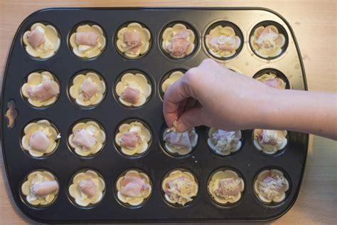 fiori di pasta fiori di pasta sfoglia con prosciutto e formaggio