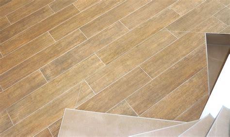 dekorative platten zum aufhängen an der wand keramische platten interno ag i naturstein i keramische