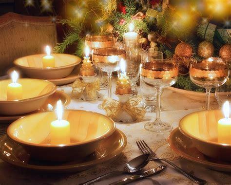tavola di capodanno le tavole di capodanno rossa verde o oro