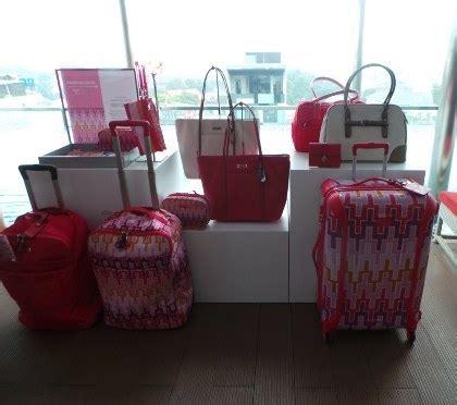 Annisa Handbag Tribal Ungu tumi meluncurkan tas travelling terbaru motif tribal