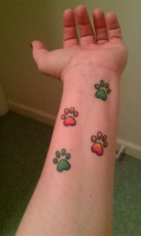 35 awesome wrist paw tattoos 35 awesome wrist paw tattoos