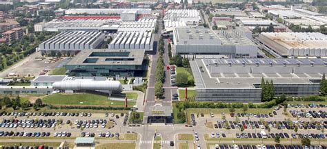 Ferrari Hauptsitz by Ferrari Upping Production To 9 000 Cars Annually By 2019