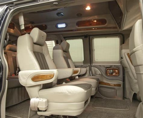 Suv Captain Chairs by Buy Suv With 2nd Row Captains Chairs Autos Post