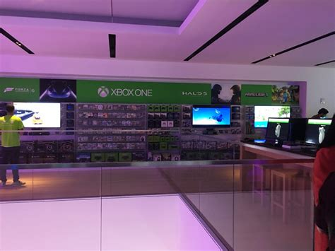microsoft opens flagship store in new york city today