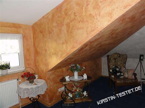 zimmer mit violetten wänden schlafzimmer grau lila