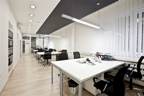 layout en office what are the benefits of buying new office furniture