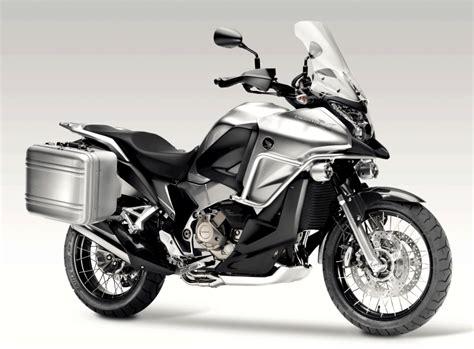 Cross Motorrad Auf Der Stra E by Der Crosstourer Das Honda Crossover Concept Geht In