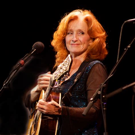 country music artists of the year 2012 monday moanin love me like a man bonnie raitt