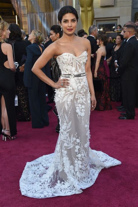 The Oscars Gowns That Wow Ed Bglam by 17 Best Ideas About Carpet Looks On