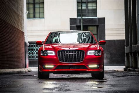 2014 Chrysler Lineup by Fca Add New Trim Levels To 2018 Chrysler 300 Lineup
