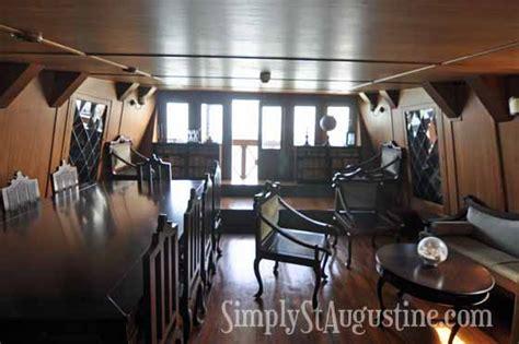 ship captain room 1800 s ship captain s quarters search interior boat boating