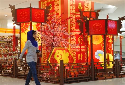new year decorations shopping mall gallery new year set to take