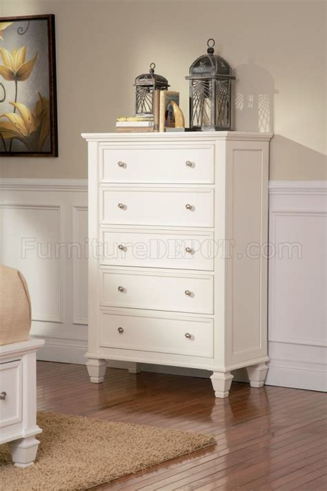 sandy beach white bedroom furniture sandy beach 201309 5pc white bedroom set w storage bed
