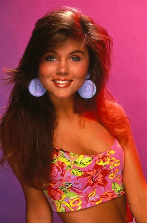 tiffani thiessen saved by the bell haircut kelly kapowski pictures popsugar celebrity