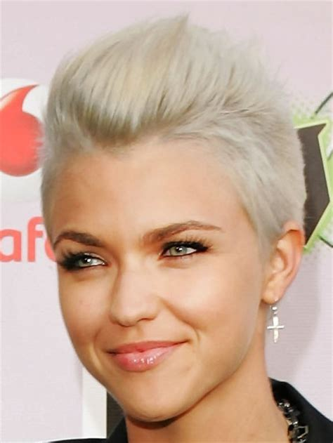 short platinum hairstyles for women 15 super cool platinum blonde hairstyles to try pretty
