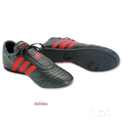 adidas martial arts shoe black w stripes s size