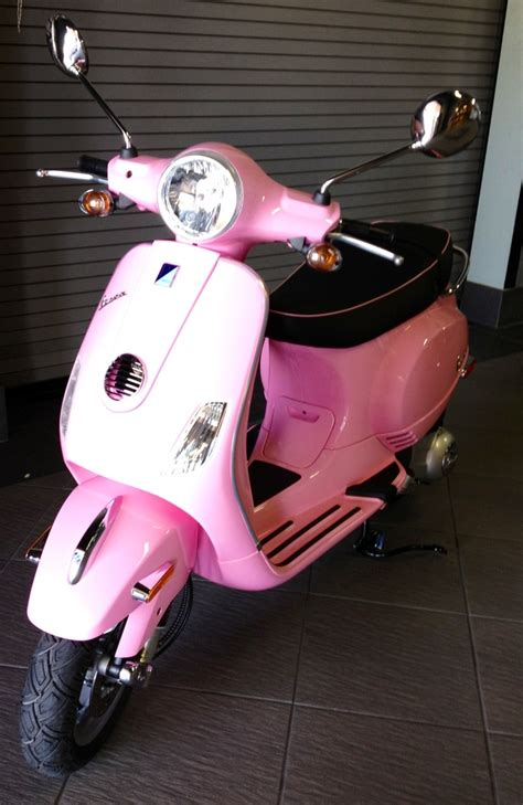 wallpaper vespa pink 17 best ideas about pink vespa on pinterest pink moped