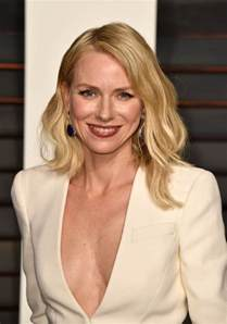 Glass Makeup Vanity Table Naomi Watts At The 2015 Oscars And Vanity Fair Afterparty