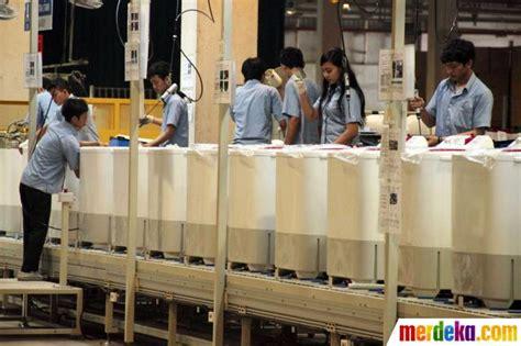 Lemari Es Yang Baru foto pabrik baru produksi lemari es mesin cuci sharp