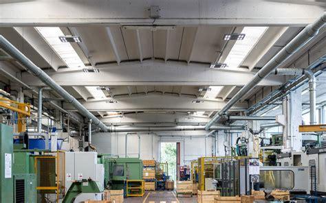 illuminazione capannoni industriali i vantaggi e i risparmi delle al led per capannoni