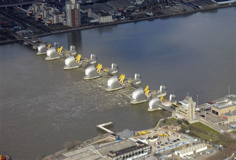 thames barrier closure event thames barrier closed to stop london flooding as aftermath