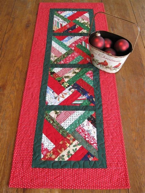 best christmas list items for runners 147 best table runners and place mats images on table runners quilted table runners
