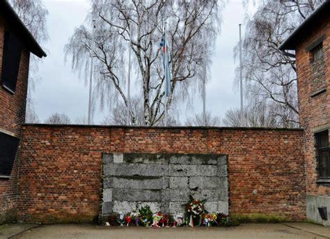panoramio photo of auschwitz birkenau wall of memories auschwitz i małopolska sightseeing krakow