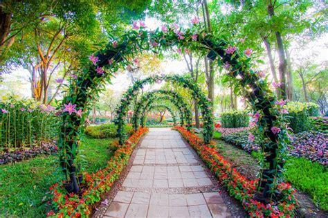 Jardin De Simple by 17 Best Ideas About Garden Archway On Garden