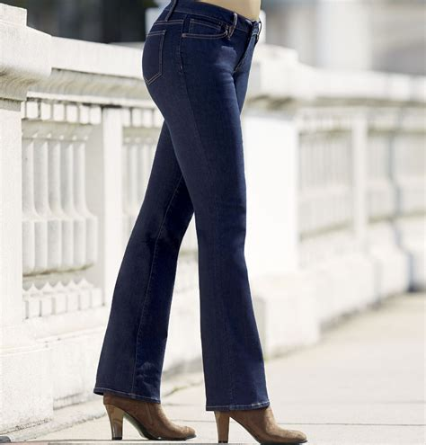 comfortable womens jeans pairing stretch jeans with the right shoe
