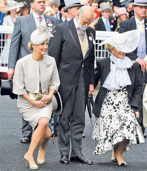 sophie thatcher height some royal curtsy etiquette the royal post