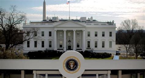 white house residence person arrested for scaling fence near white house residence s pundit daily