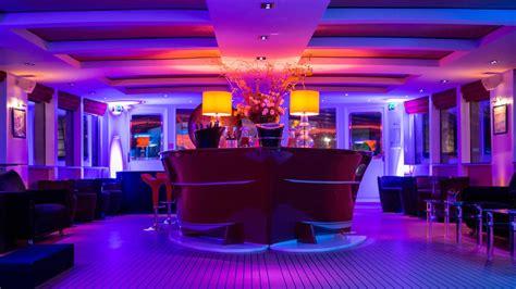 bateau mouche bar yacht le clipper paris bateau sur la seine location
