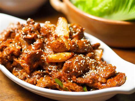 Spicy Pork korean spicy marinated pork with chilies and kimchi jaeyook kimchi bokum recipe serious eats