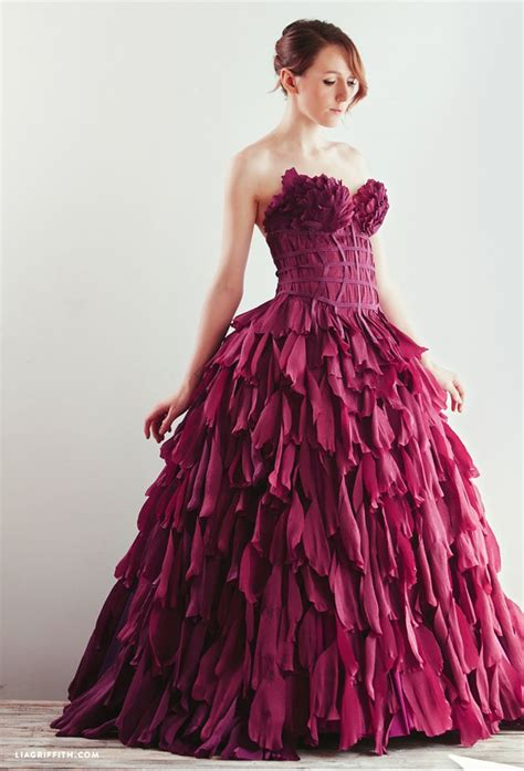 Clothes Out Of Paper - best 25 paper dresses ideas on paper clothes