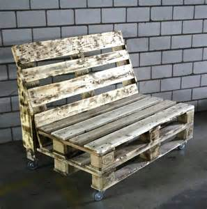 Pallet Benches Rustic Pallet Bench On Wheels 101 Pallets