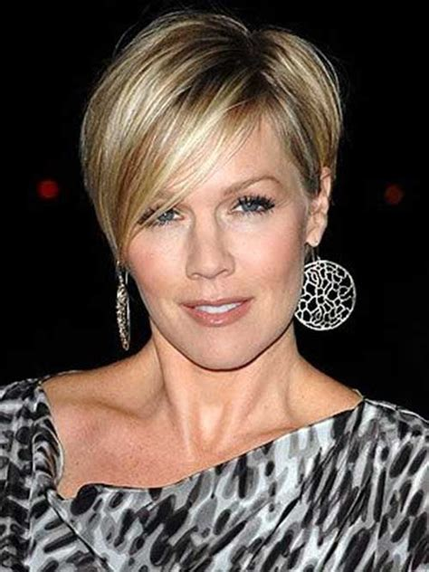 older women with asymetric hairstyles twenty greatest asymmetrical pixie cuts haircuts 2016