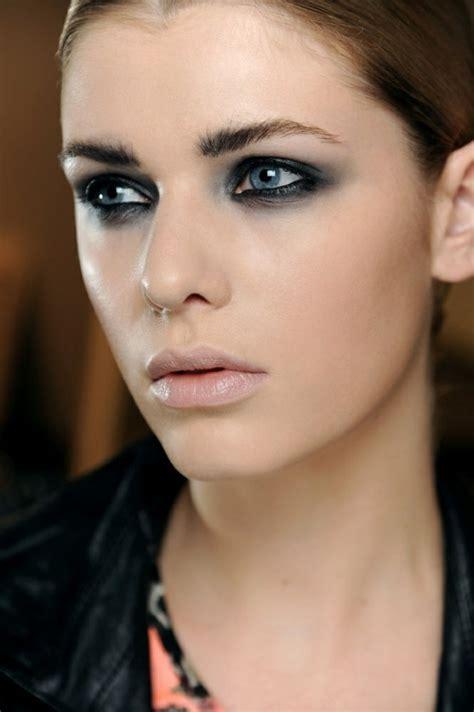 Eye Do Pour Les Yeux Crayon Eyeliner Bold Emina Cosmetics 1 comment se maquiller les yeux pour un regard magn 233 tique
