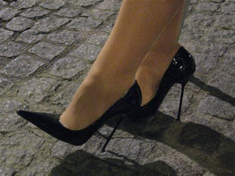 rosa high heels black patent ultra high pointed stilettos by rosa shoes