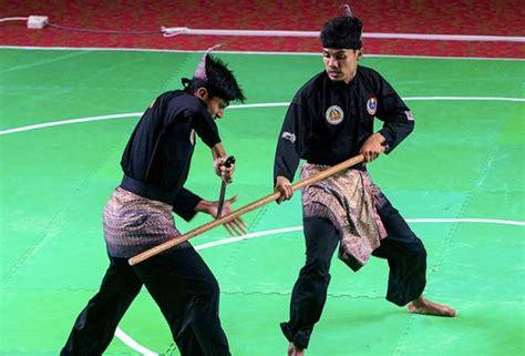 Baju Silat Lincah tiga emas buat malaysia dalam kejohanan silat asia